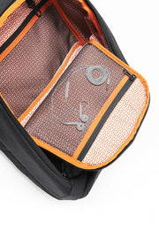 2 interior, see-through, soft monofilament mesh zip organization pockets