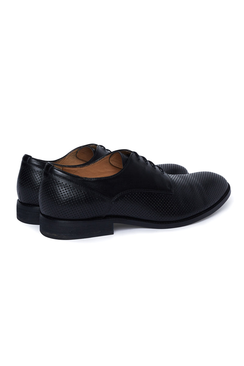 BLACK LEATHER PERFORATED DRESS SHOE