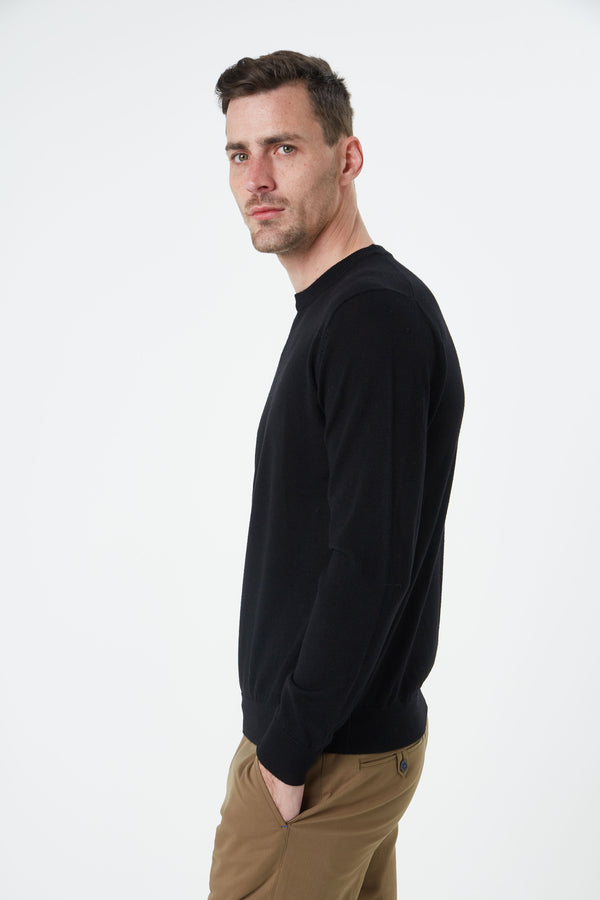 BLACK MERINO WOOL CREW NECK KNITWEAR
