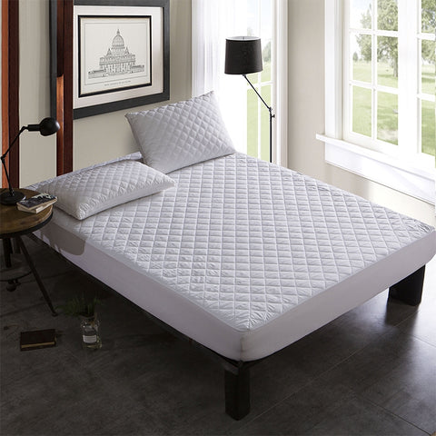 "Quilted Mattress Pad - Queen 60"" x 80"" - HomeTex.ca"