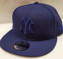 Load image into Gallery viewer, New Era League Pop NY Yankees Snapback