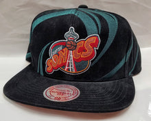 Load image into Gallery viewer, Mitchell & Ness Sonics Hurricane Snapback