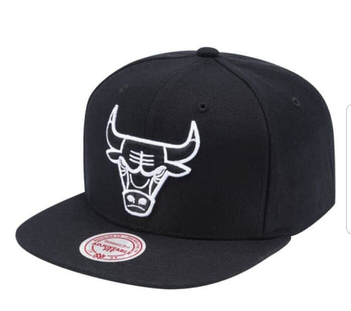 Mitchell & Ness Wool B/W Snapback Chicago Bulls