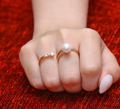 Pearl Two Finger Ring