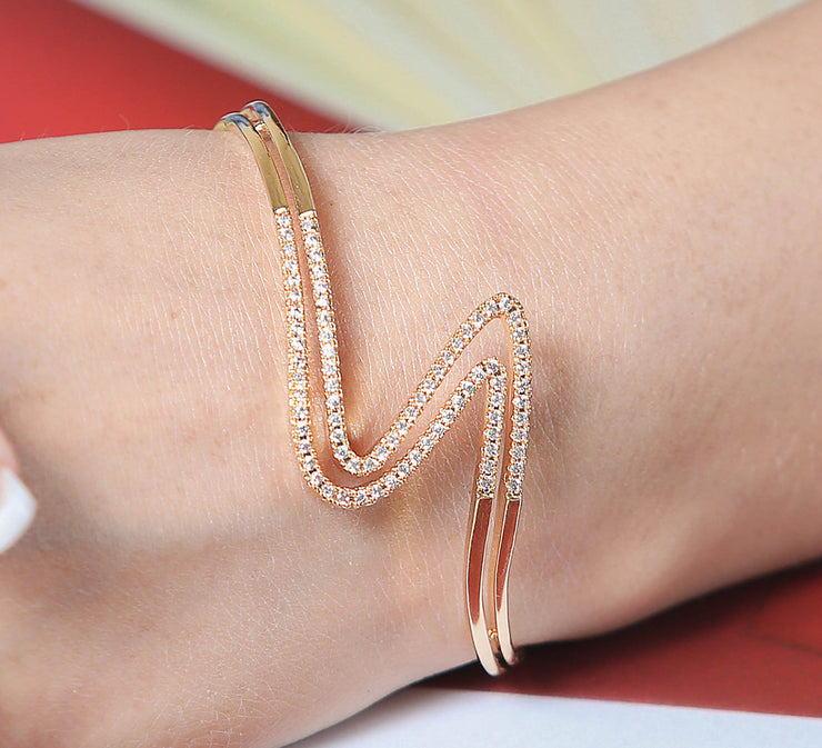 Golden Adjustable Wavy Bracelet