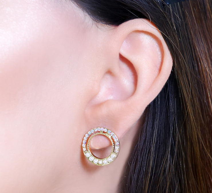 Sparkling Pearl Studs