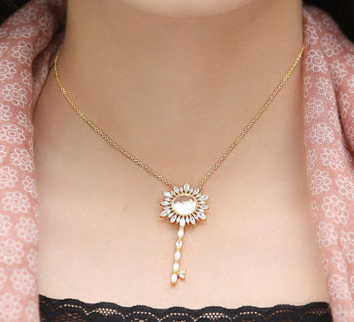 Floral key Pendant - Golden