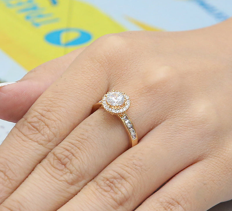 Floating Solitaire Cocktail Ring – Golden