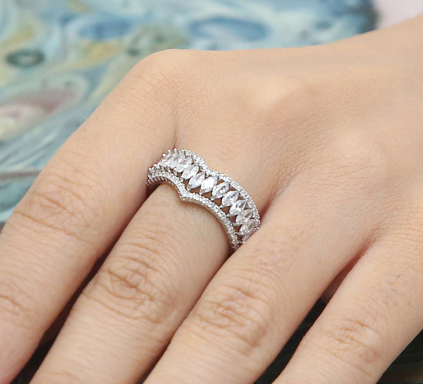 Wishbone Band Pave Ring – Silver