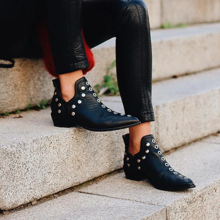 Vintage Pointed Toe Rivet Plain Ankle Boots