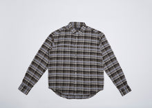 Load image into Gallery viewer, Men In Silhouette Basic Check Shirt