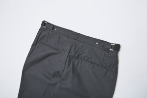 Men In Silhouette Cotton Basic Slim Trouser