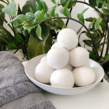 Load image into Gallery viewer, WOOL DRYER BALLS