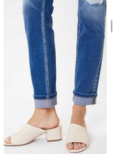 Load image into Gallery viewer, Kancan Mid-rise Straight Jeans