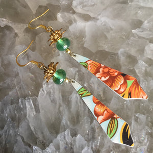Elegant Long Points with Transparent Green Bead and Rose, Green, and White Tin