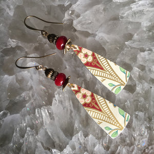 Long Tin Triangles with Maroon Darts and cream background