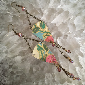 Long Chain with Rose Print Tin