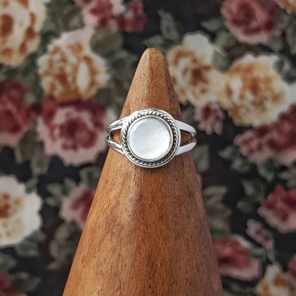 Sterling Silver Mother of Pearl Stone Ring