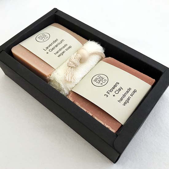 Flowers vegan soap set in a black gift box