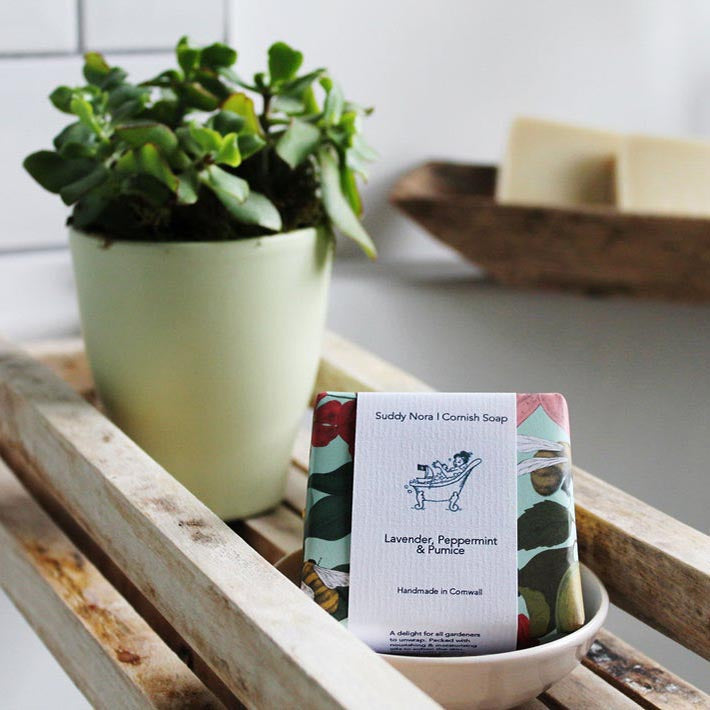 Gardener's soap made with lavender, peppermint and pumice by Suddy Nora