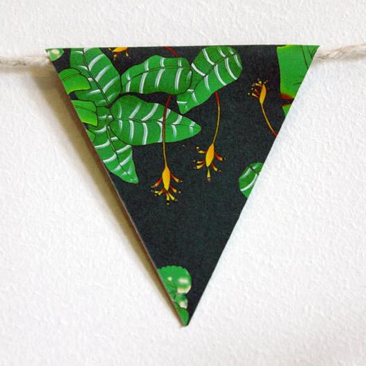 Tropical leaves mini bunting