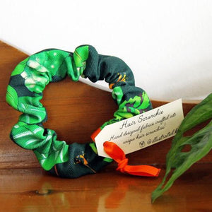 Illustrated Kat Tropical Leaves scrunchie