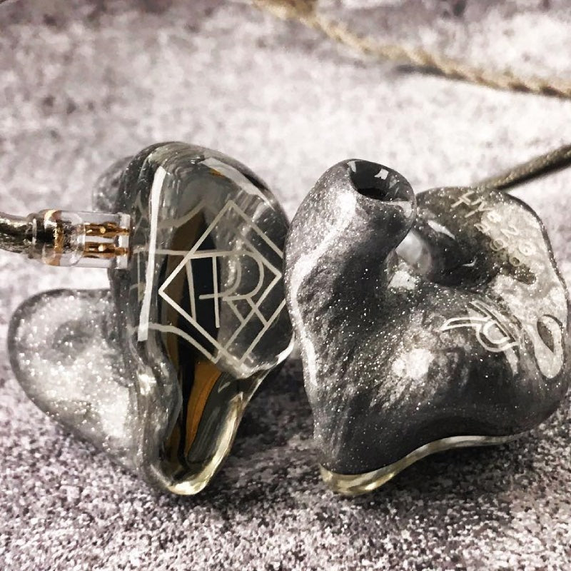 ears4U Custom in ear monitors