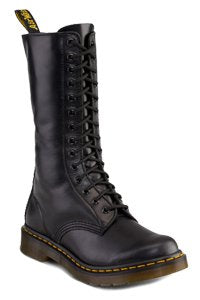 Dr. Martens - 14 eye - Black one zip