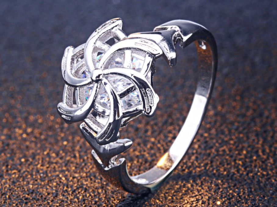 Twirling Flower Ring