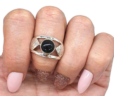Black Onyx Ring, Size 9.5, Heart Ring, Sterling Silver, Round Shaped - GemzAustralia