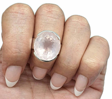 Rose Quartz Ring, Size 8, Sterling Silver, Oval Shaped, 16 Carats - GemzAustralia