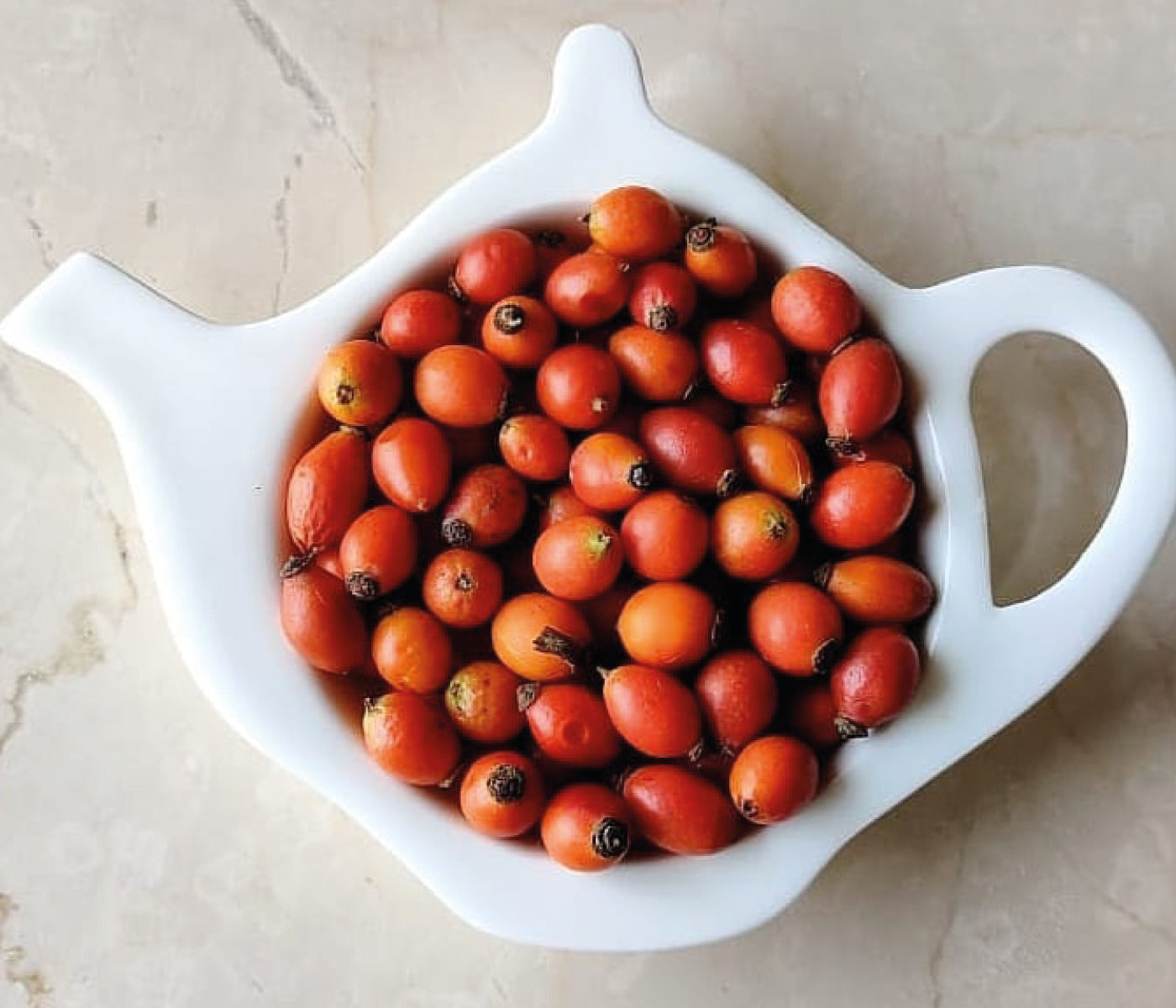 This is an image of How Rasula's Rosehip Oil differs from other oils in the market on www.sublimelife.in