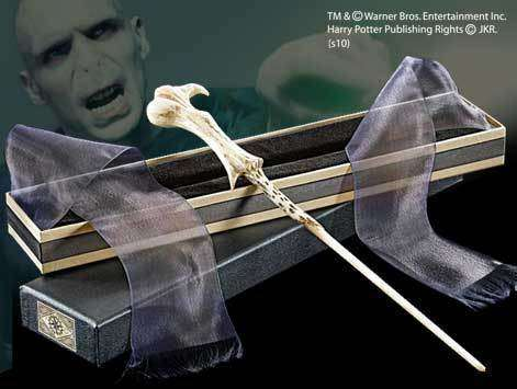 Lord Voldemort Wand in Ollivanders Box Olleke | Disney and Harry Potter Merchandise shop The Noble Collection