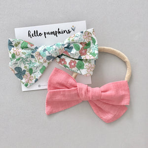 Flower Sketches & Fay Linen Coral Bow Set