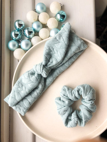 Cable knit scrunchie and headband set