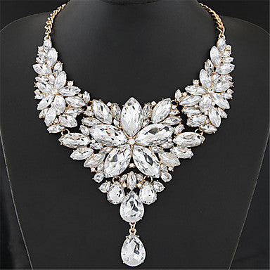 Women's Crystal Statement Necklace Bib Chunky Baroque Elegant Alloy Jewelry 1pc