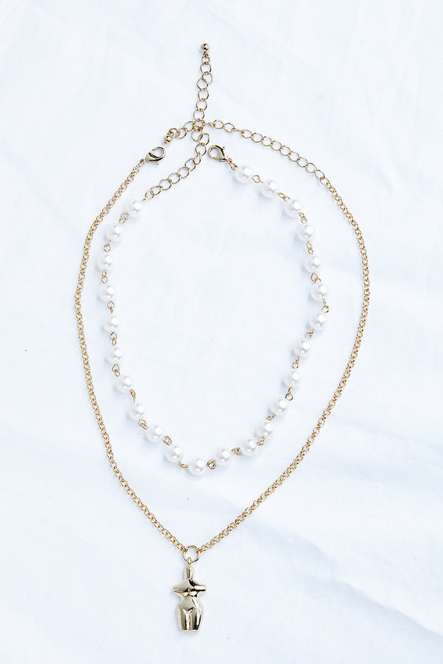 Layered Pearl Necklace w/Teddy Pendant