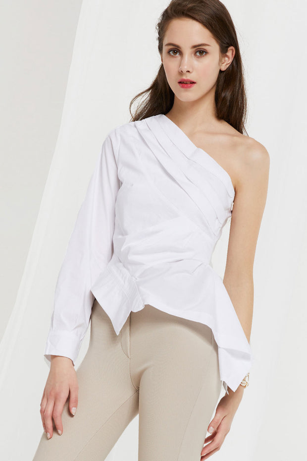 Melody Asymmetric Shoulder Top by STORETS