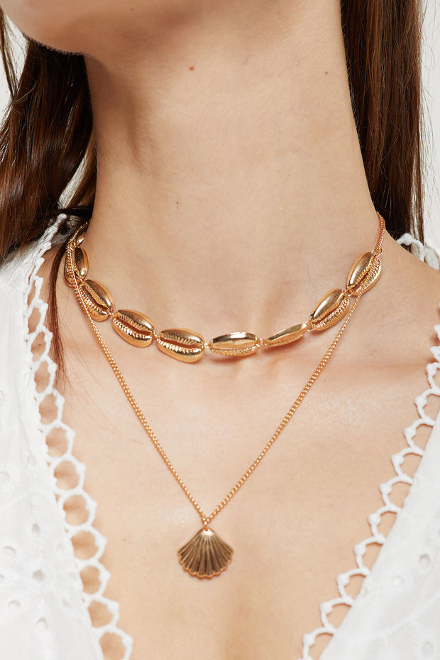 Double Layered Seashell Choker Necklace by STORETS
