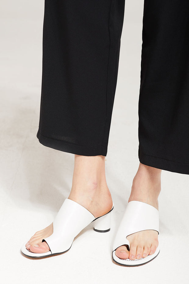 Big Toe Sling Heel Slippers by STORETS