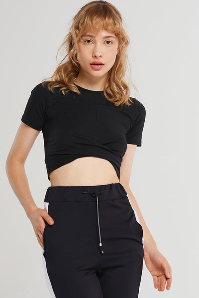 Basic Hem Twist Cropped T-shirt-Black