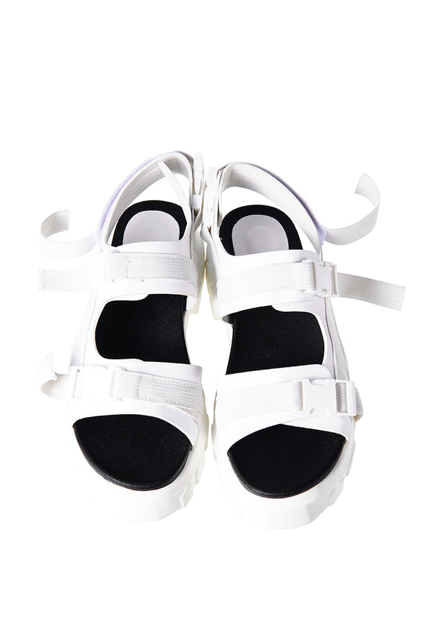 storets.com White Snap-fit Buckle Sandals