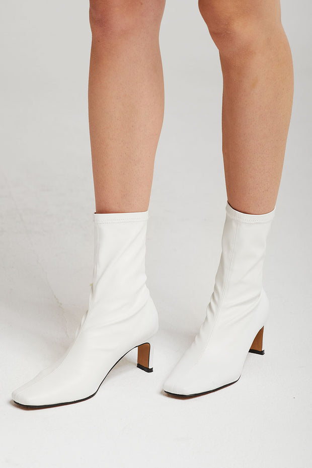 storets.com Heeled Slim Fit Booties