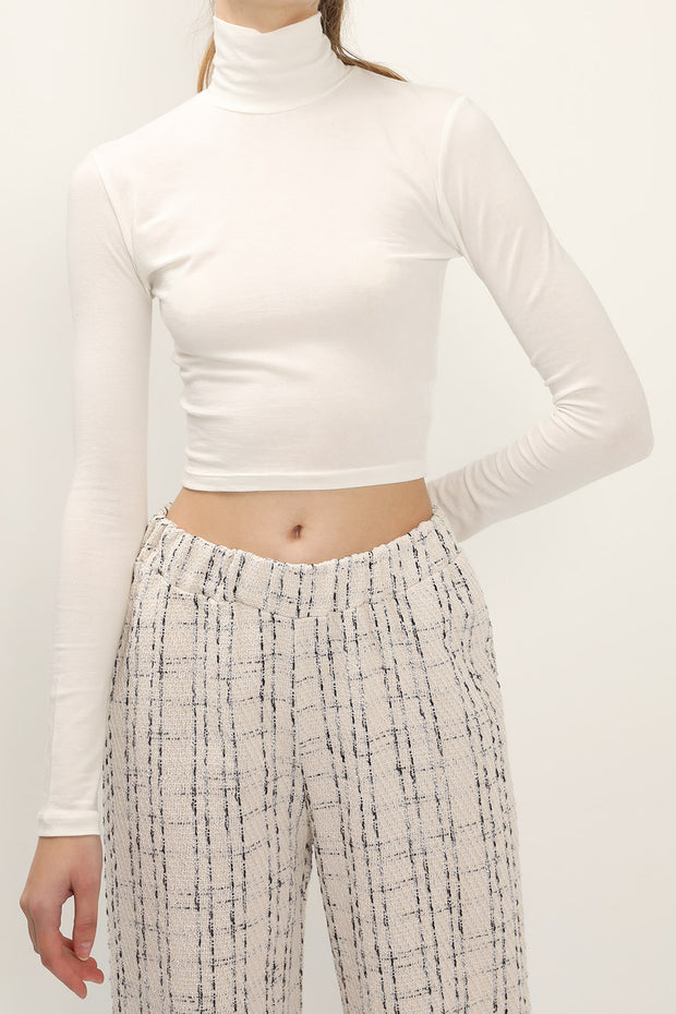 storets.com Hailey High Neck Cropped Top