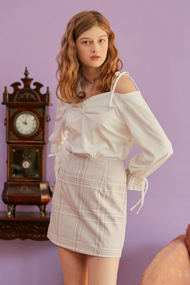 [LETTER FROM MOON] Asymmetric Cold Shoulder Blouse