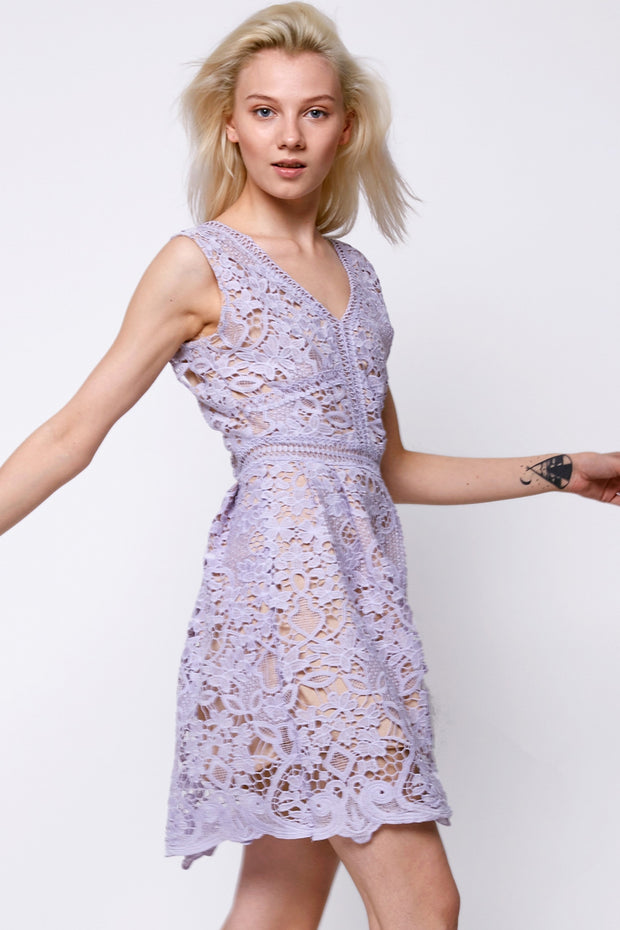 Welly Lace Sleeveless Dress