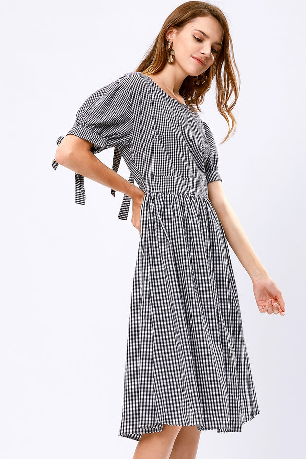 storets.com Dorothy Gingham Back Side Cut Out Dress