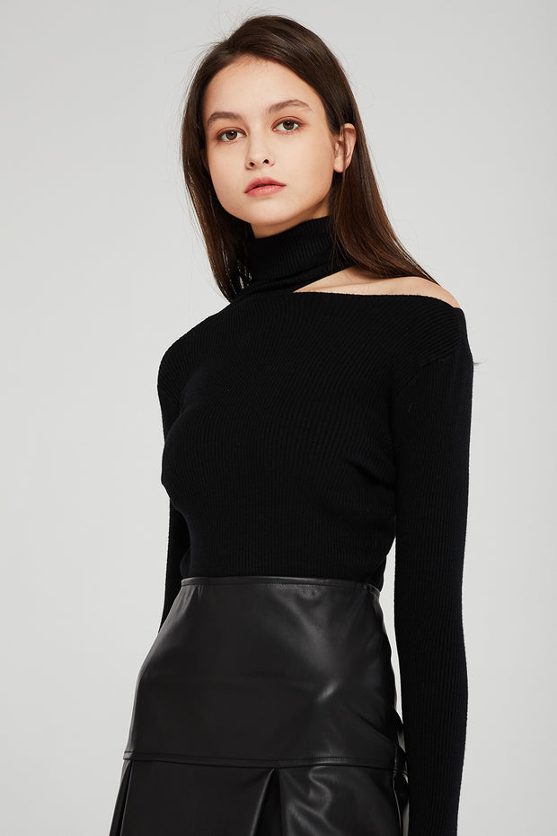 storets.com Sofia Cut-out Choker Top