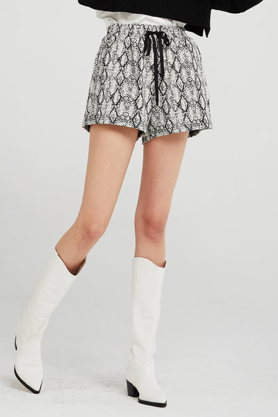 storets.com Veronica Shorts in Snake Print
