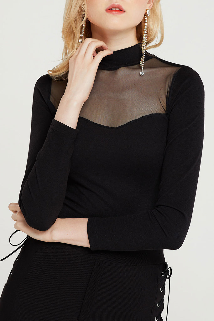 Amande Choker Square Neck Top